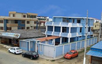 <p>Large House for Sale in Crucita Beach, Ecuador…