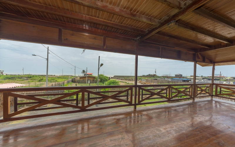 Balcony Area San Clemente, Ecuador Nikon D7500 by Lourdes Mendoza