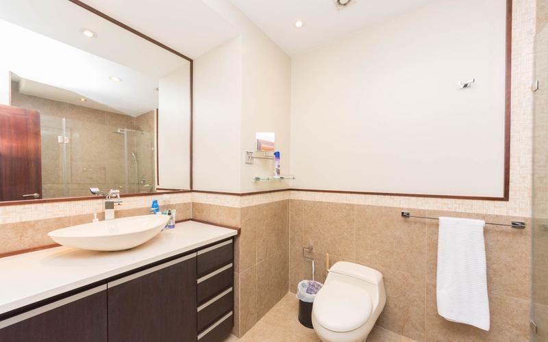 Master Bathroom Cuenca, Ecuador Nikon D7500 by Lourdes Mendoza