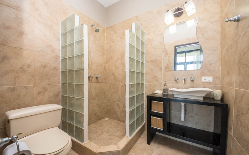 Master Bathroom San Clemente, Ecuador DJI Phantom 4 by Jonathan Mueller
