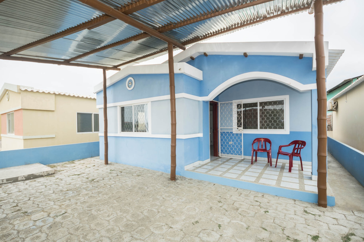 <p>This amazing home is listed at the offer price…