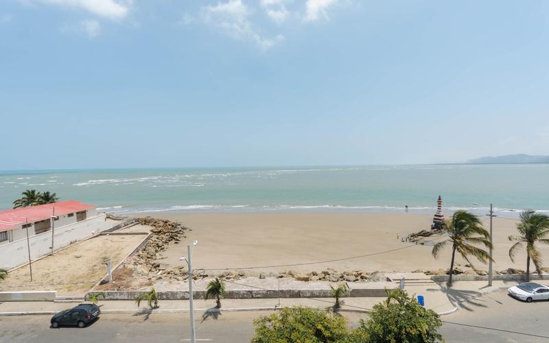 Beachfront view Bahia de Caraquez, Ecuador Nikon D7500 by Lourdes Mendoza