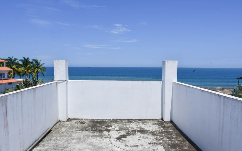 Beachfront view Crucita, Ecuador DJI Phantom 4 by Jonathan Mueller