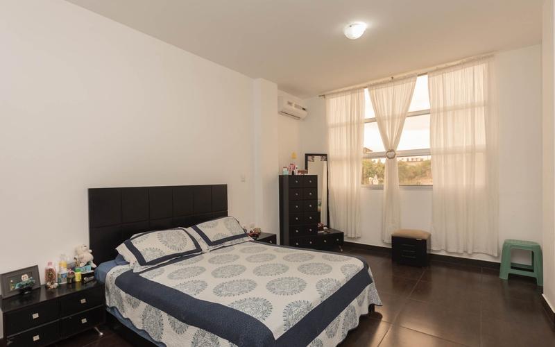 Guest Bedroom 2 Manta, Ecuador Nikon D7500 by Lourdes Mendoza