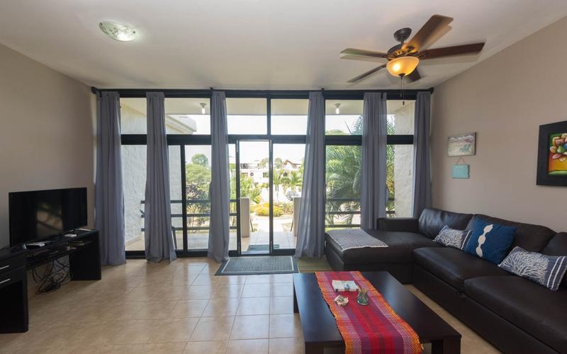 <p>This Beach house Rental&nbsp;presents a prime …