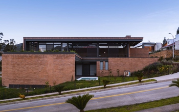 <p>Beautiful luxury house built in 2019. Located …