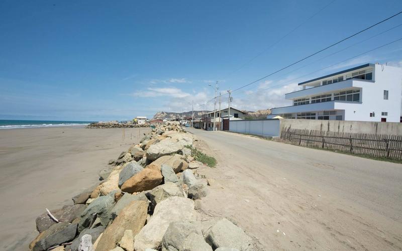 None San Clemente, Ecuador Nikon D7500 by Lourdes Mendoza