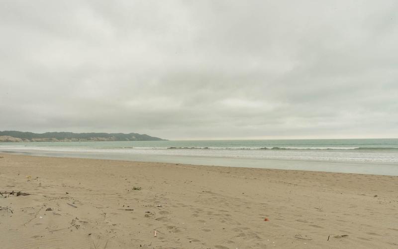 Beachfront view Cuenca, Ecuador Nikon D7500 by Lourdes Mendoza