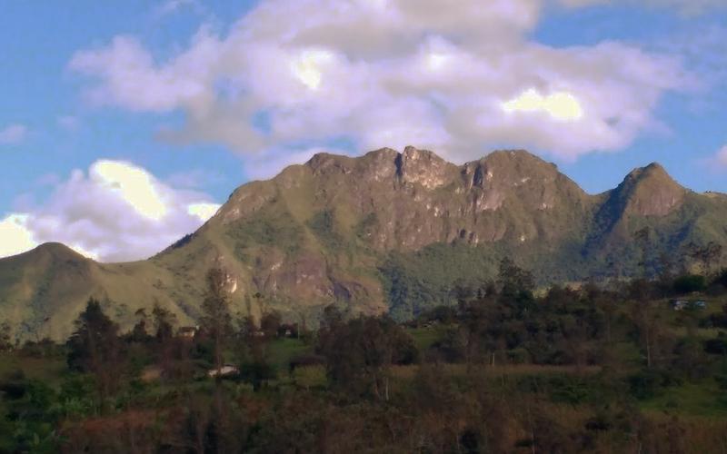 Building View Yunguilla, Ecuador Private by Lourdes Mendoza