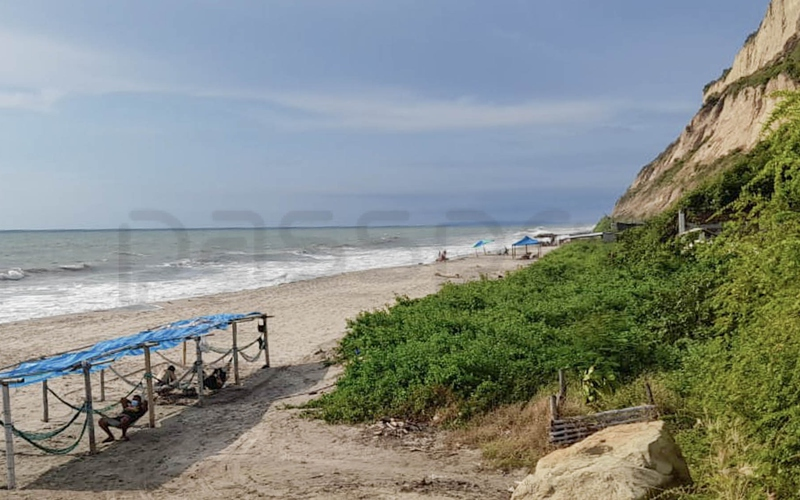 Beachfront view San Clemente, Ecuador Private by Aladino Mendoza