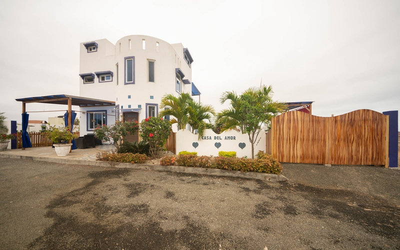 <p>A new construction home 2017 year. Available f…