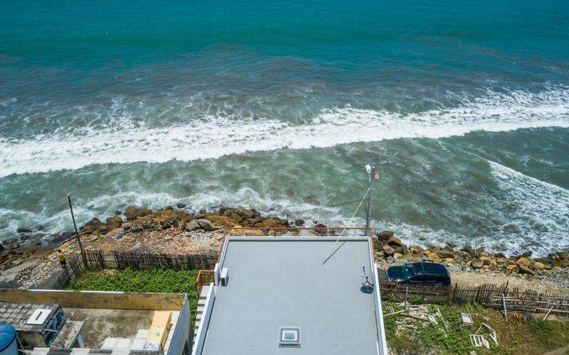 Aerial View San Clemente, Ecuador DJI Phantom 4 by Jonathan Mueller