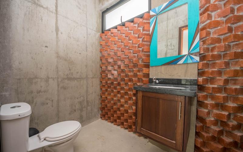 Social Area Bathroom San Clemente, Ecuador Nikon D7500 by Lourdes Mendoza