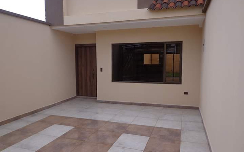 <p>House for sale in the Ricaurte sector. It has …