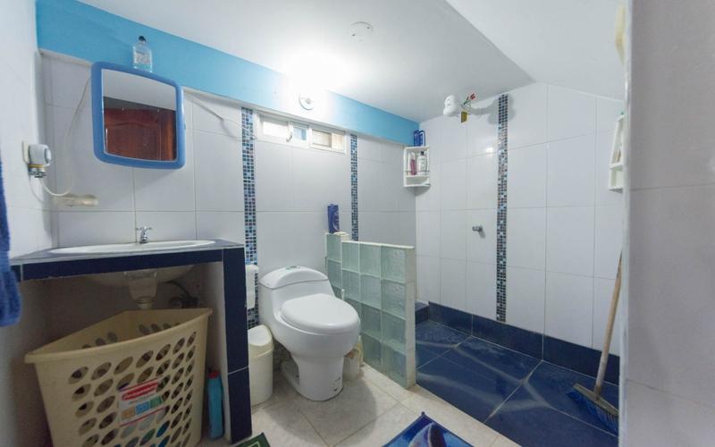 Master Bathroom San Jacinto, Ecuador Nikon D7500 by Lourdes Mendoza