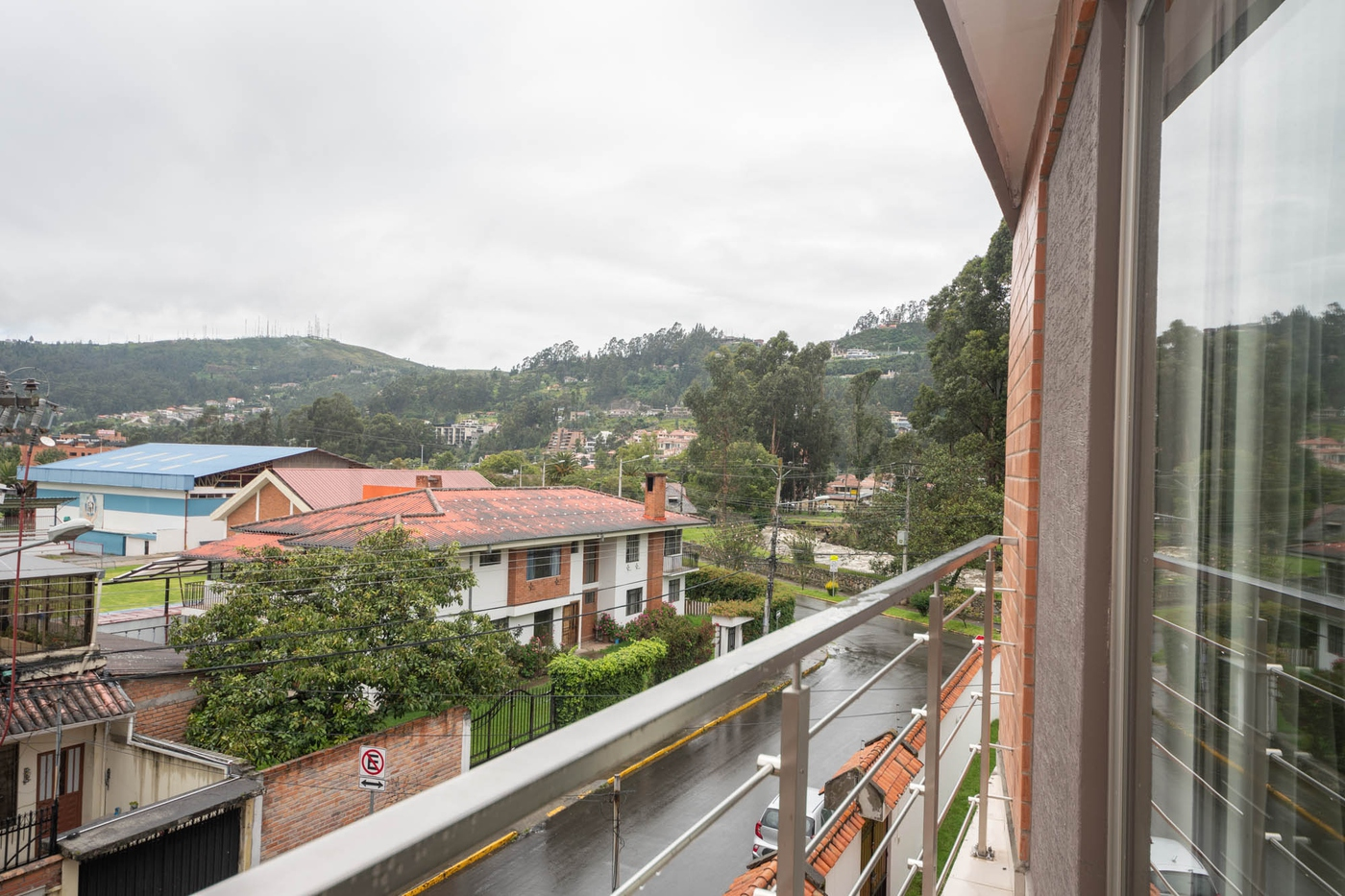 <p>Listed at only $596 monhtly rent, this condo i…