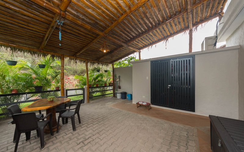 Back patio San Clemente, Ecuador Nikon D7500 by Lourdes Mendoza