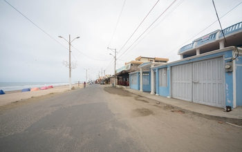 <p>Large House for Sale in Crucita Beach, Ecuador…