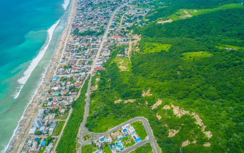 Beachfront view Crucita, Ecuador Private by Private