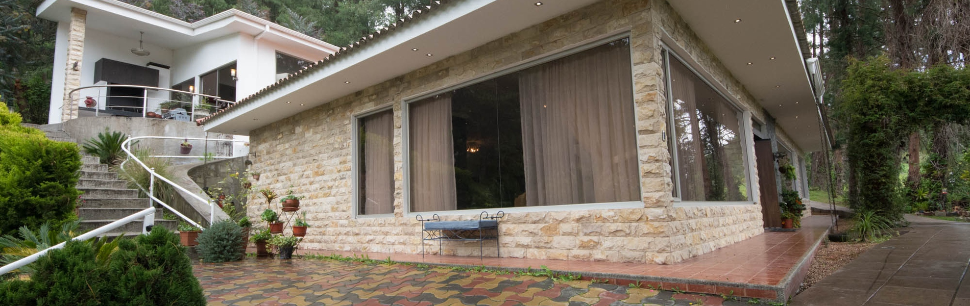 <p>Listed at only $355,000 this home isn't going …