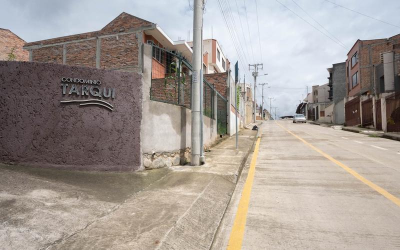 Master Bathroom Cuenca, Ecuador DJI Phantom 4 by Jonathan Mueller