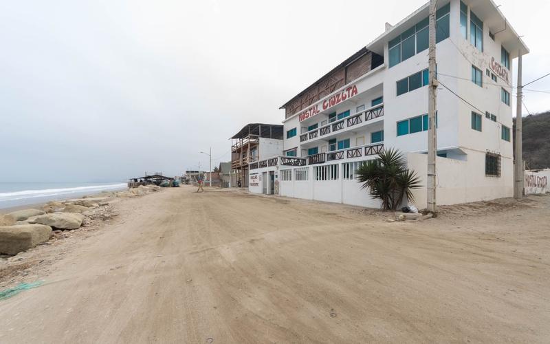 Oceanfront Crucita, Ecuador Nikon D7500 by Lourdes Mendoza