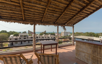 This Ocean View Townhouse with 2 bedrooms and 2 b…