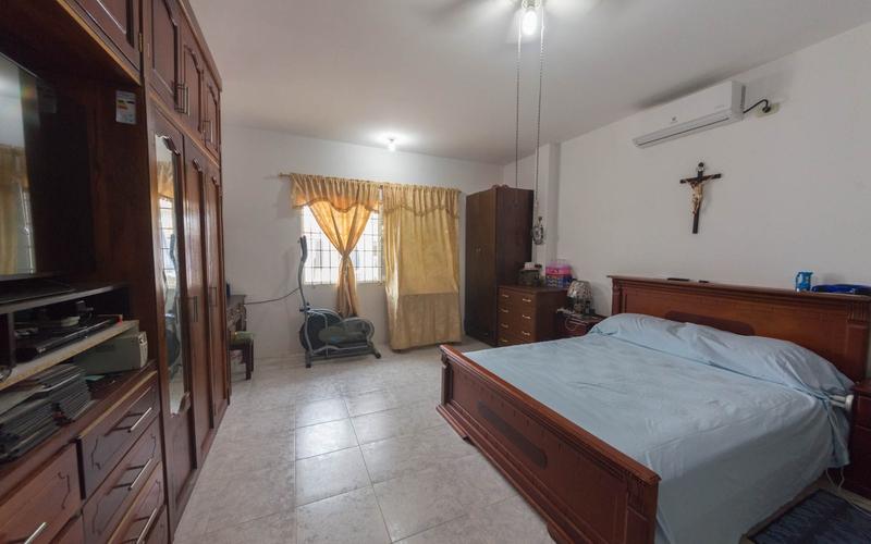 Master Bedroom San Jacinto, Ecuador Nikon D7500 by Lourdes Mendoza