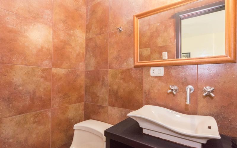 Half Bathroom San Clemente, Ecuador Nikon D7500 by Lourdes Mendoza