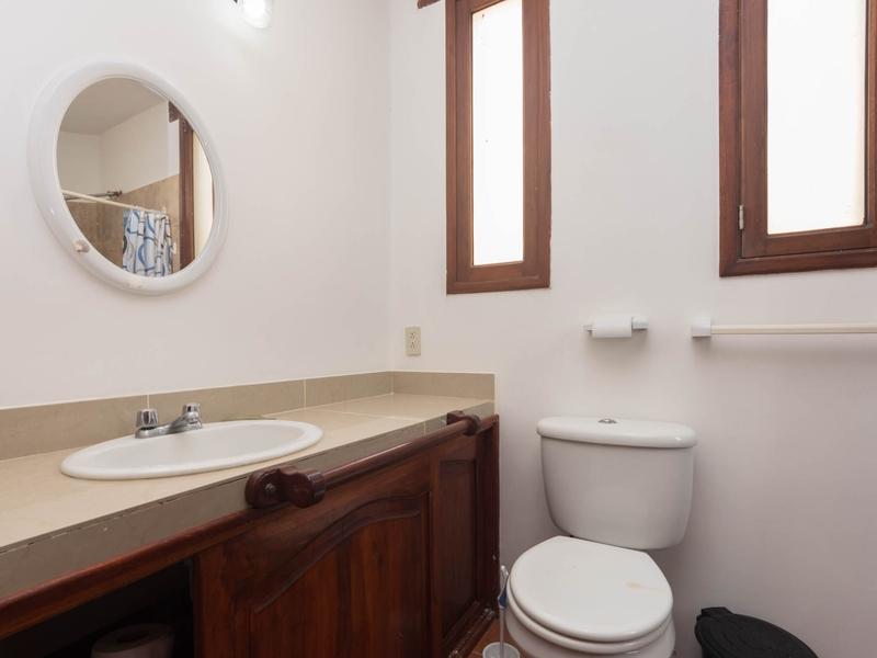 Master Bathroom Jama, Ecuador Nikon D7500 by Lourdes Mendoza