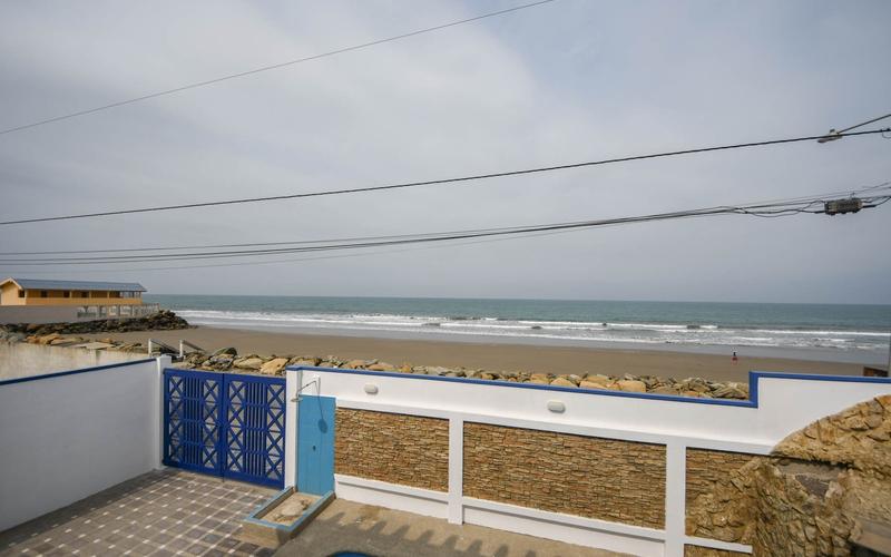 Beachfront view San Jacinto, Ecuador Nikon D7500 by Lourdes Mendoza