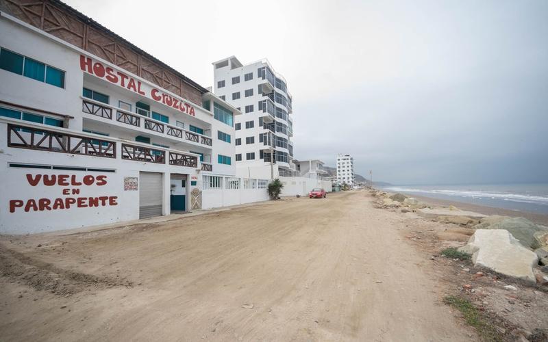 <p>This hostal is located in Crucita, Manabi, Ecu…